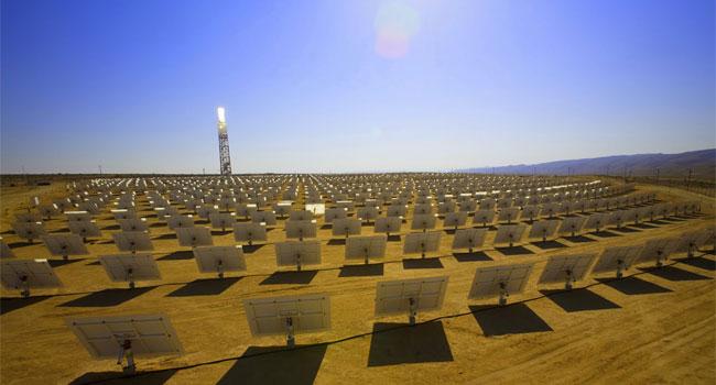 Torre em deserto americano pode gerar energia limpa por 25 anos.