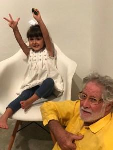 Ricardo con su nieta
