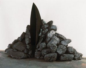 Anish Kapoor. Black fire, 1989.. Bienal de Venecia.