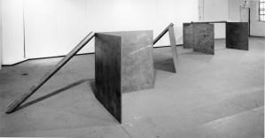 16. Vista de la exposición de Serra en la Castelli/Warehouse. 1969