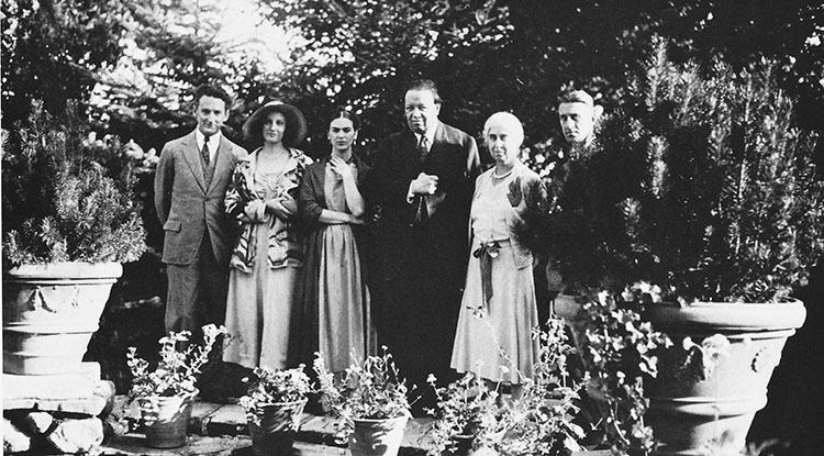 Clifford y Jean Write, Frida Kahlo y Diego Rivera, la madre de Edsel Ford y una persona sin identificar en Detroit Foto Courtesía de Graham Beal