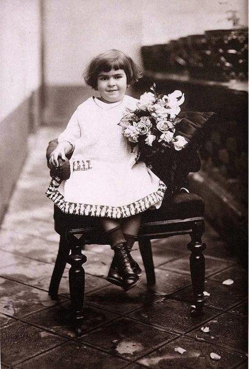 Guillermo Kahlo. Frida Kahlo de niña.