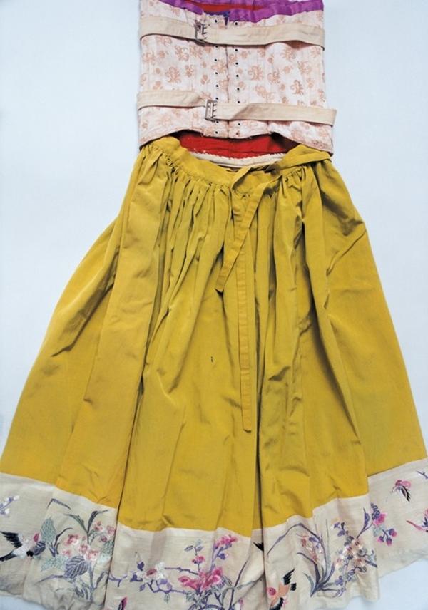Vestido y faja de frida. Foto Ishiuchi miyako.