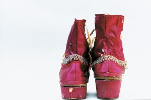 Zapatos de Frida. Foto Ishiuchi Miyako.