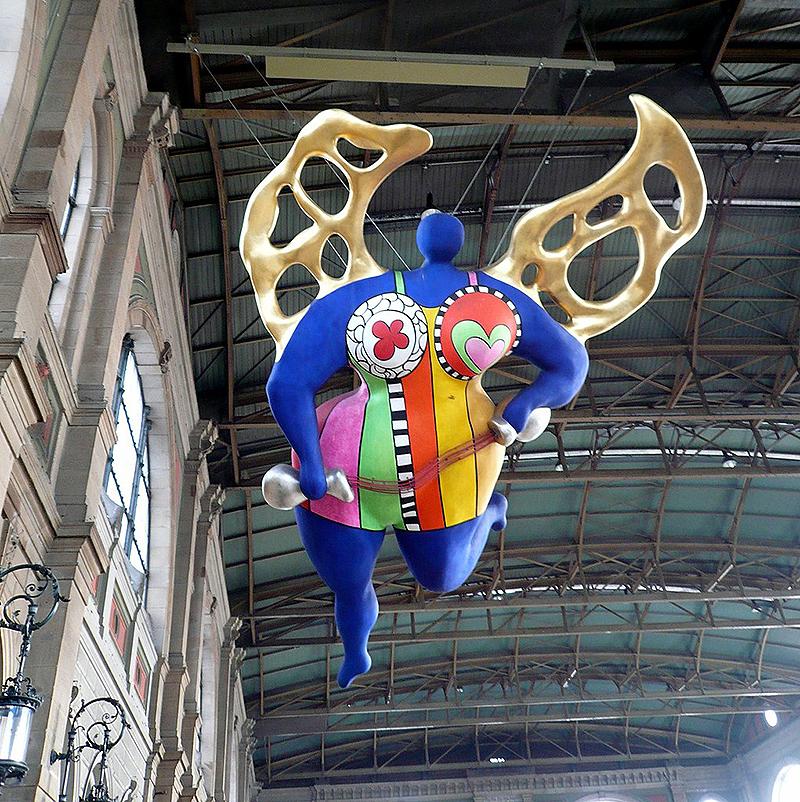 Niki de Saint Phalle. El Ángel de la Guarda, 1997. Estación de tren de Zurich.