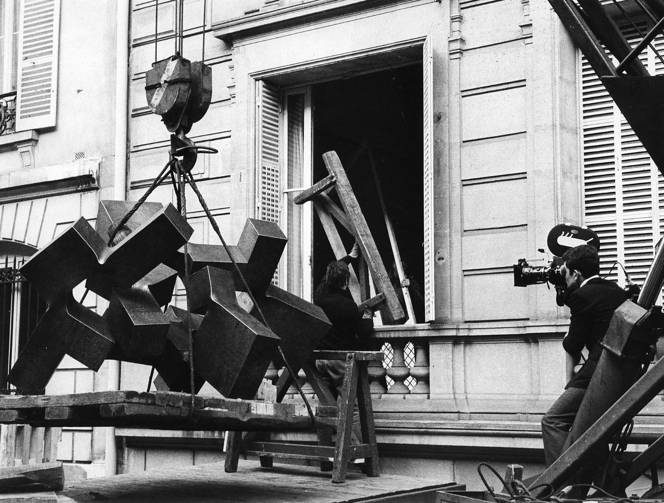 Montaje exposición Galería Maeght, Paris 1968. Foto Claude Gaspari
