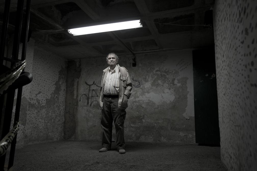 Rafael Cadenas. Serie Altamira Suites. Abril 2016. Foto Vasco Szinetar.