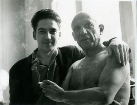 En la Villa La Californie, residencia de Picasso en Cannes, Francia - 1955
