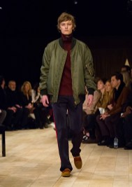 burberry-london-collections-men-fall-winter-2016-12