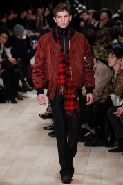 burberry-fall-winter-2016-17-london-collections-men-03-2