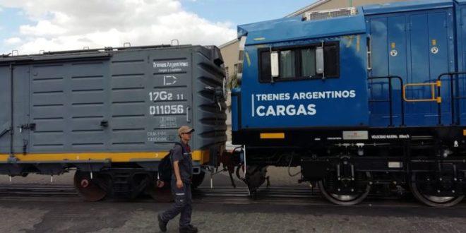 Con vino para exportar, el San Martín Cargas volvió al Puerto de Buenos Aires.