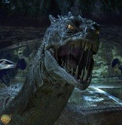 O Basilisco consegue viver mais de 900 anos. O monstro de Hogwarts tinha sido lá colocado por Salazar Slytherin, um dos quatro co-fundadores de Hogwarts.
