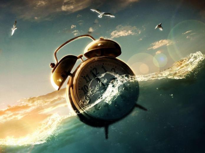 alarm-clock-water-fantasy-design-creative-960x1280