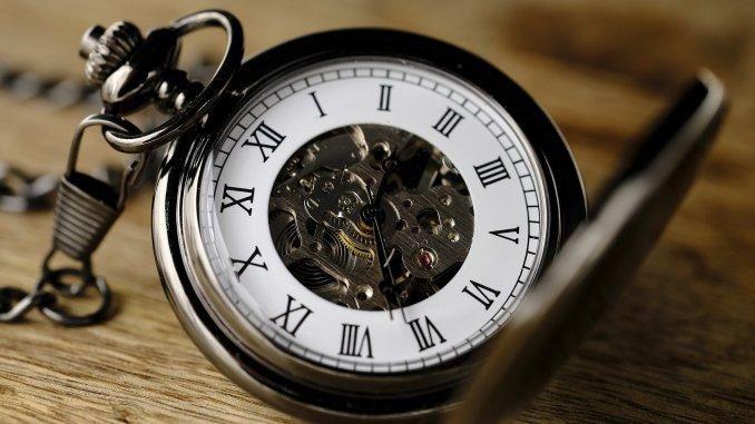Revista Literaria Galeradas. Reloj