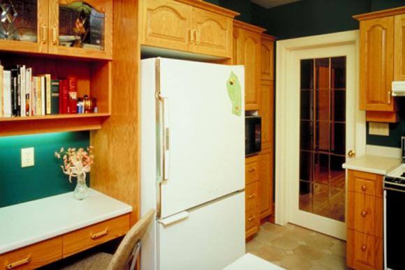 Livros de receita e culinária cabem muito bem numa cozinha. (Foto: ThinkStock)