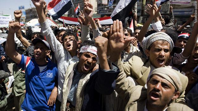 """Protestos da """"Primavera Árabe"""" no Iêmen. Crédito: CNN."""
