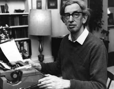 O historiador marxista britânico reconhecido como um importante nome da intelectualidade do século XX Eric Hobsbawn. Crédito: Coffee House - The Spectator.