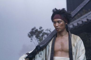 O ator Munetaka Aoki interpreta Sanosuke Sagara na trilogia live action de Samurai X. Crédito: https://aminoapps.com