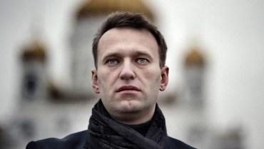 Aleksey Navalniy, figura política opositora a Putin. Crédito: https://www.cnnturk.com/