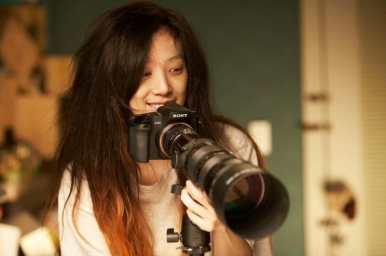 "Jung Ryeo Won vive Kim Jung Yeon em ""Castaway on the Moon"". Crédito: divulgação."