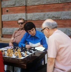 Gaprindachvili com seu treinador em 1974. Crédito: Aleksandr Saakov/TASS.