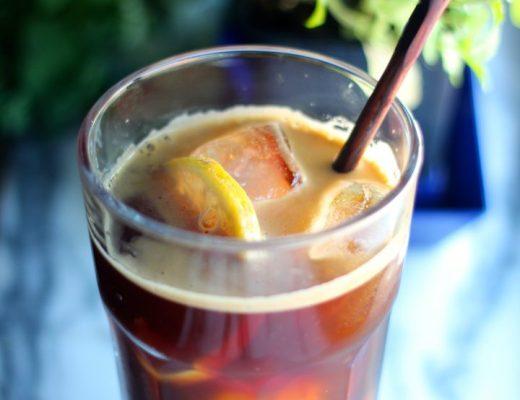 refresco de café e limão
