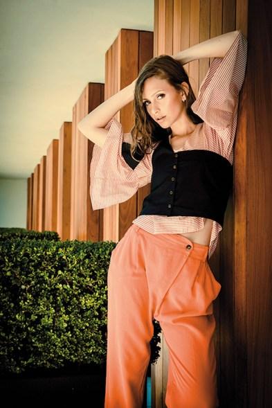 Blusa, top y pantalón – MAGMA