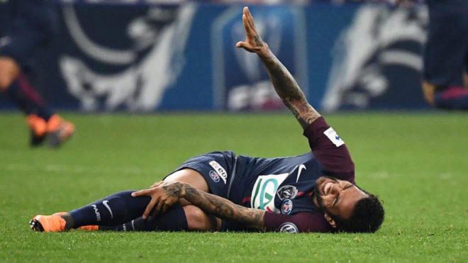 Dani Alves se pierde el Mundial