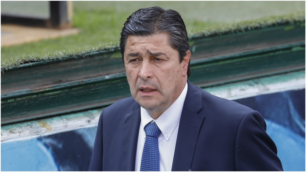 Luis Fernando Tena estudia la oferta de Atlético Nacional