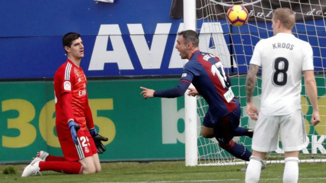 Un horrible Real Madrid recibe una goleada ante el Eibar