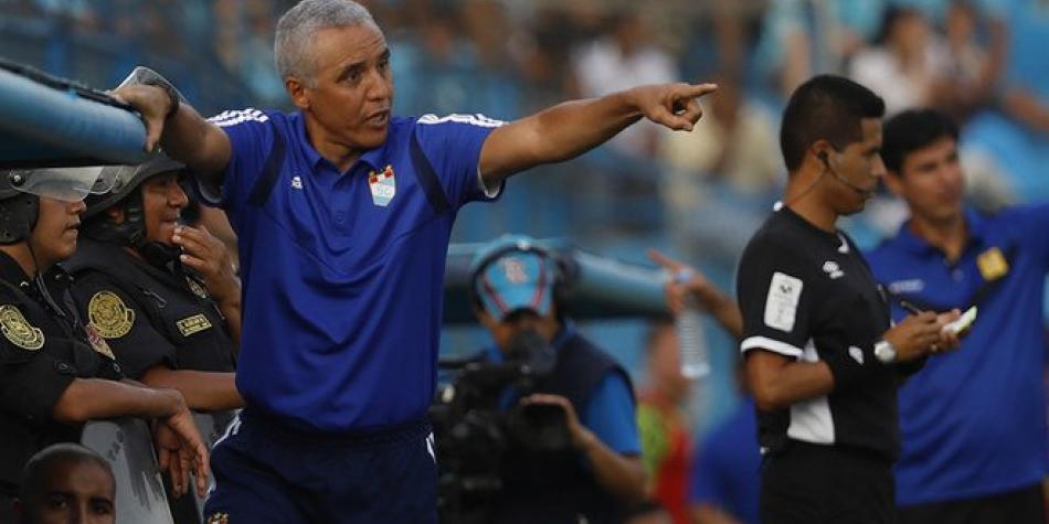 Alexis Mendoza solo duró dos partidos en Sporting Cristal: renunció