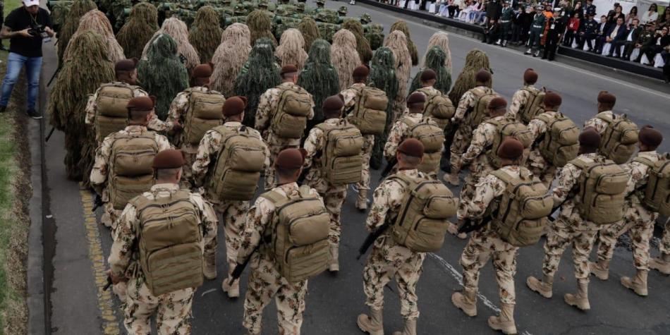 Aplazan millonaria licitación para comprar medicamentos en el Ejército