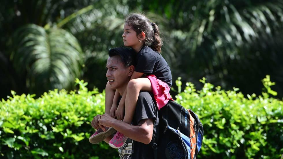 Una nueva caravana migrante parte de Honduras hacia EE UU