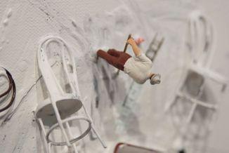 Liliana Porter – Untitled with Mickey's red shoe. 2015. Panel 1. Detalle © Cortesía de Espacio Mínimo