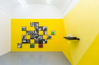 Modernismo Chamánico (Cathedral - Pincapple - Bossa Nova), 2016, digital print on Hahnemühle Photo Rag, paint, record player, paper, vinyl, var.dim. Cortesía de la Galleria Umberto Di Marino, Nápoles, Italia