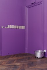 Seulgi Lee, SOUPE _ Altkirch, 2017. Sopa color crepúsculo, muro color crepúsculo. Cortesía del artista. Producción CRAC Alsace. Agradecimientos a Sylvie Fabian y Gilles Desplanques.