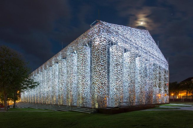 Marta Minujín, The Parthenon of Books, 2017, steel, books, and plastic sheeting, Friedrichsplatz, Kassel, documenta 14, photo: Roman März