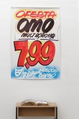 Jarbas Lopes, U-Mercado, 2015. 2 posters, 2 libros. Cortesía A Gentil Carioca & Luisa Strina. Foto Aurélien Mole