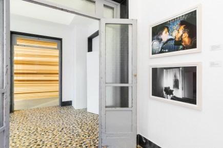 Leandro Feal - de la serie Hotel Roma. Vista de la instalación. Foto: Delfino Sisto Legnani / Marco Cappelletti