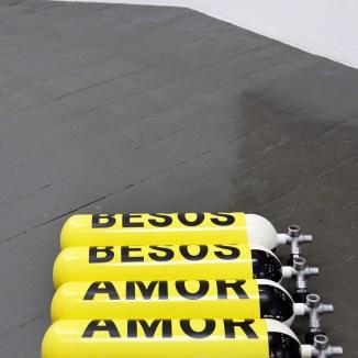 Diango Hernández, Amor / Amor / Besos / Besos, 2017. Cortesía VAN HORN, Düsseldorf
