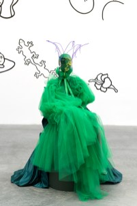 Ha.Mü (Abraham Guardian y Mamuro Oki), Colección : Mama! Mama! I feel quaint, 2018.Cortesía de Wilmark Jolindon. Vista de la exposición « Prince-sse-s des villes », Palais de Tokyo (21.06 – 08.09.2019). Foto : Marc Domage