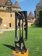 Agustín Cárdenas, Mon ombre après minuit, 1963 Bronze, 245×120 cm Château Biron, jardins du manoir d'Eyrignac Photo © LDG Sans titre, s. d. Gouache et aquarelle sur papier 65×50 cm