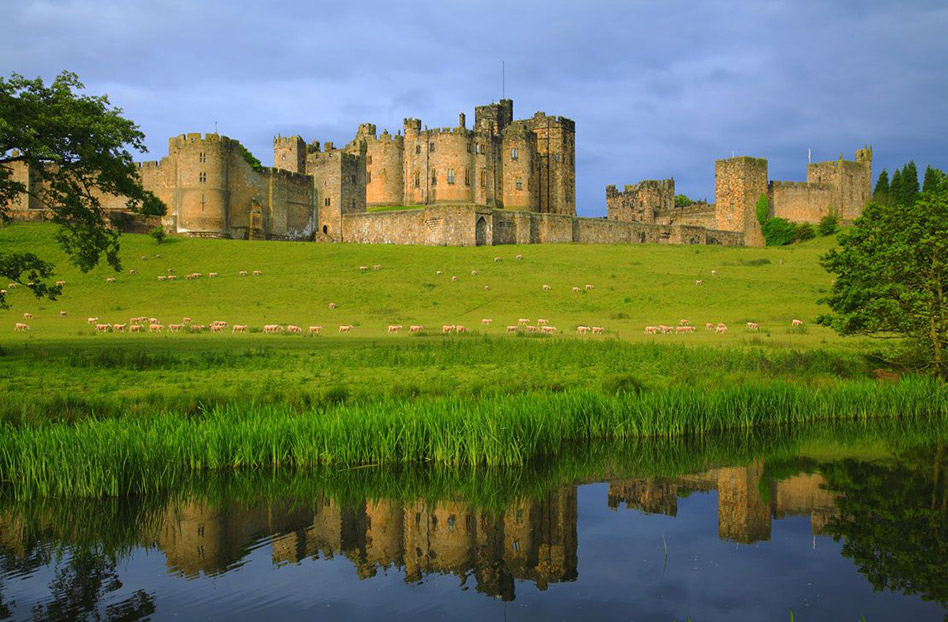 locaciones de downton abbey que puedes visitar: Alnwick castle