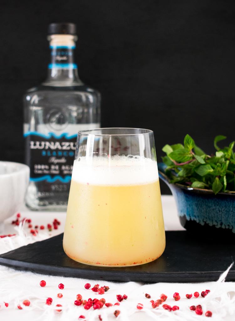Coctel de tequila y naranja con tequila Luna Azul