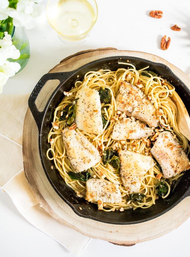 Espagueti con pescado al limon