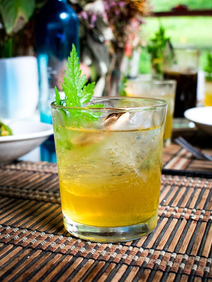 Coctel de gin con manznailla