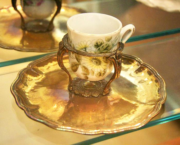 Mancerina, plato tradicional para tomar chocolate artesanal
