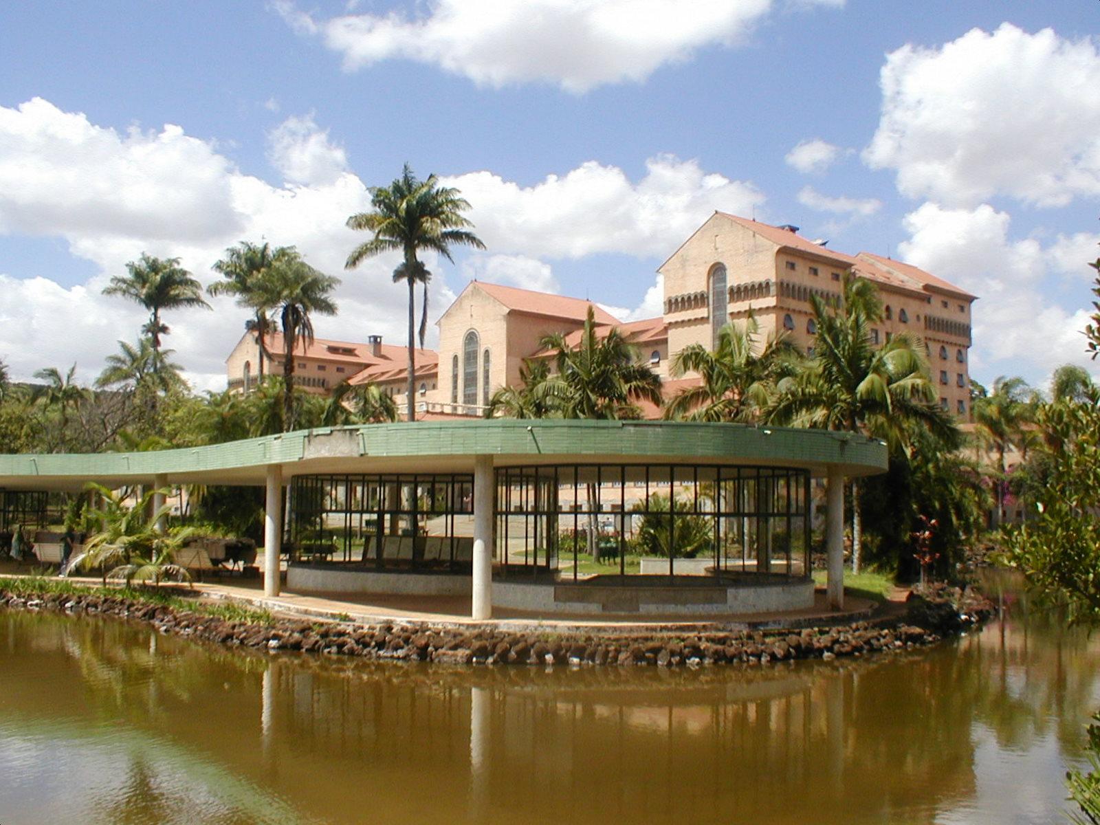 Grande Hotel Araxá (Luiz Signorelli, 1936), Fonte Andrade Júnior (Francisco Bolonha, 1945), Paisagismo de Roberto Burle-Marx