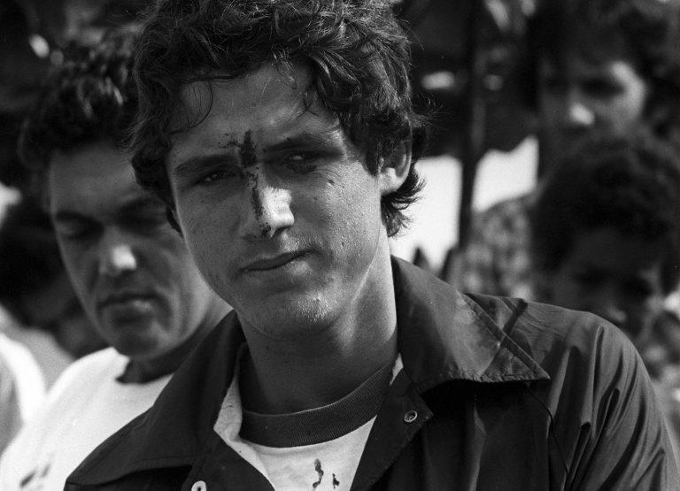 Rio de Janeiro (RJ) - 12/10/1975 - VÙo Livre - Acidente - Acidente com Marcos Archer (Curumin) - Foto Arquivo / AgÍncia O Globo - Negativo: 79-17050