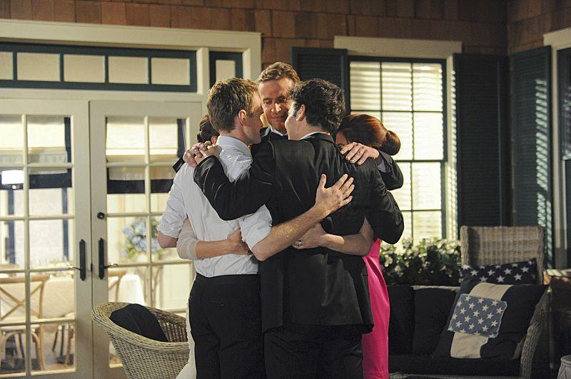 Os cinco amigos se despedindo no casamento de Robin e Barney